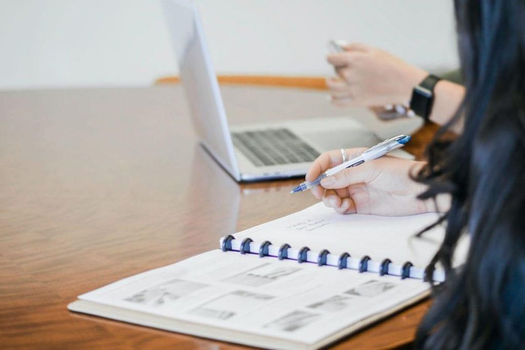 Vælg det rette regnskabsprogram til din virksomhed